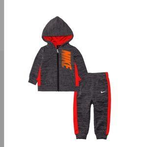 Boys Nike set zip up swratshirt and pants